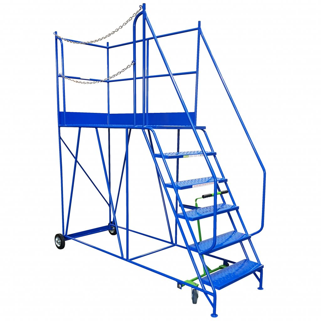 Access Platform with Metal Treads